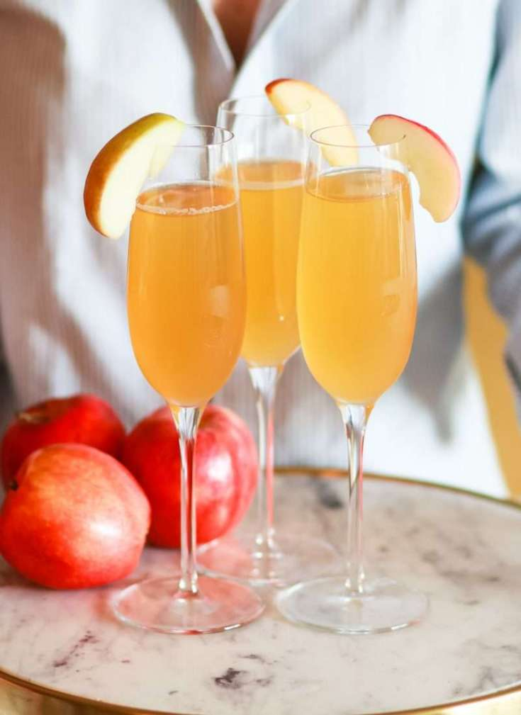 Fall in a Flute: Festive Apple Cider Bellinis