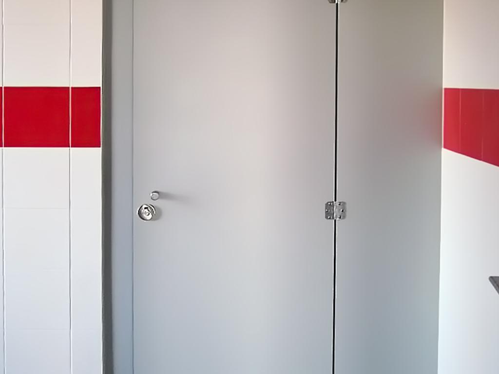 Cabines Fenólicas / Divisórias Fenólicas (Porta/Baia)