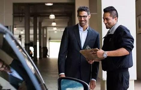 Conseiller de service automobile
