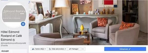 Un bouton de réservation sur la page Facebook d'un hôtel