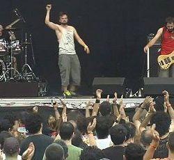 13 Left To Die video de su paso por el Azkena Rock Festival 2014