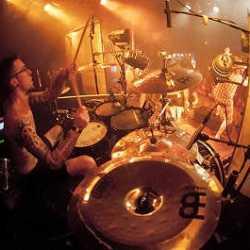 Childrain su batería Mikel deja la banda