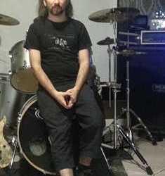 In Loving Memory sin batería