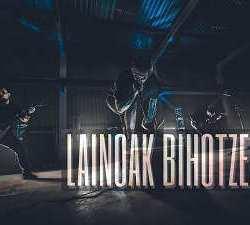 Herra videoclip de «Lainoak Bihotzean»