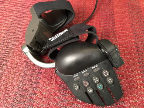 Playstation Glove 1-min