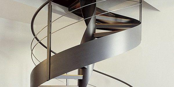 escalier en metal sur mesure par un
