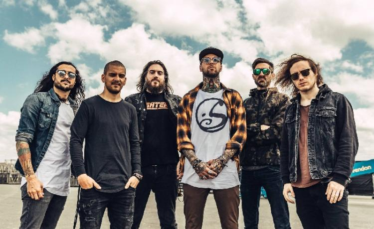 Betraying The Martyrs : Rupture et conciliation.