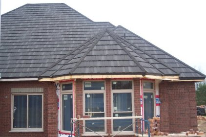 Here is a closer look at that same traditional style - notice how Metal Roof Outlet's installation has all of the style and charm of traditional shake, but with the strength of steel!