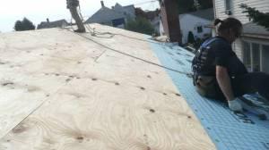 installing-roof-underlayment