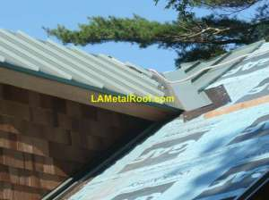 standing-seam-valley-flashing-installation