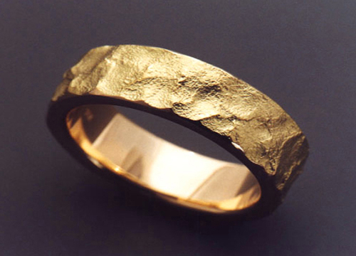 Uniquely Textured 18K Gold Wedding Band Metamorphosis
