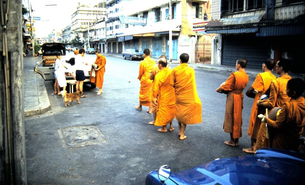 תהלוכת נזירים בקואסאן בנגקוק 1984