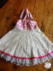Wit en roze meisjes jurkje achterkant
