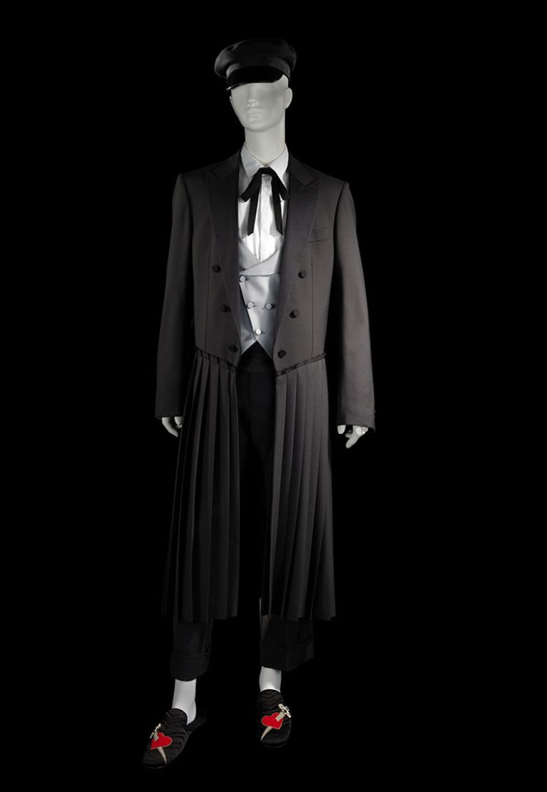 Gucci outfit inspired by Oscar Wilde and dandyism