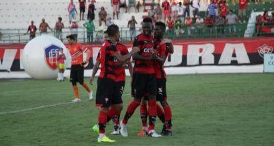 Vitória vence o Bahia de Feira por 1x0 e se mantém na liderança do Baianão