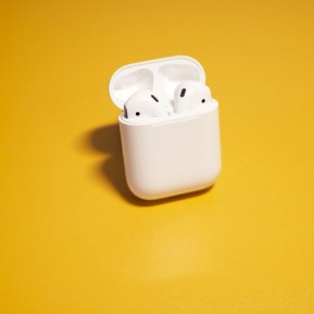 airpods as a tool for homeschool