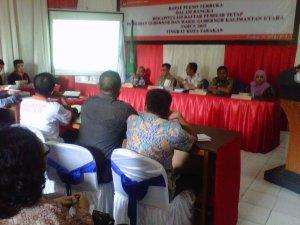 Suasana Rapat Pleno Penetapan Daftar Pemilih Tetap (DPT) Pemilihan Gubernur dan Wakil Gubernur Provinsi Kaltara di Kota Tarakan.