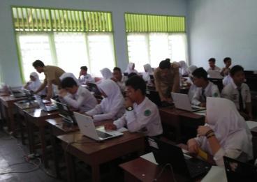 Suasana UNBK di salah satu sekolah SMP di Samarinda.