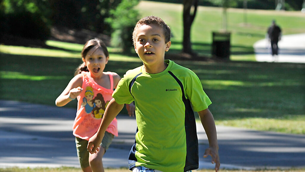 kids running at wapato park