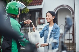 Faster merchant deliveries on eStore via RUSH and GrabExpress