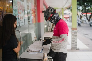 foodpanda, in partnership with Selecta recently started distributing free Selecta ice creams to active foodpanda riders in Metro Manila, to celebrate them as frontline heroes