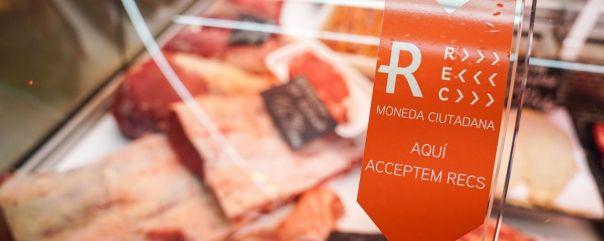 86 comercios y paradas de mercado ya aceptan el rec / AJUNTAMENT DE BARCELONA