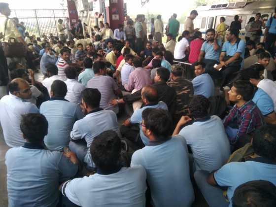 Delhi Metro Employees gathered at Yamuna Bank metro Station platform