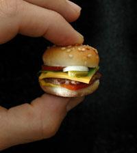 Der Miniburger ist nicht größer als eine Praline