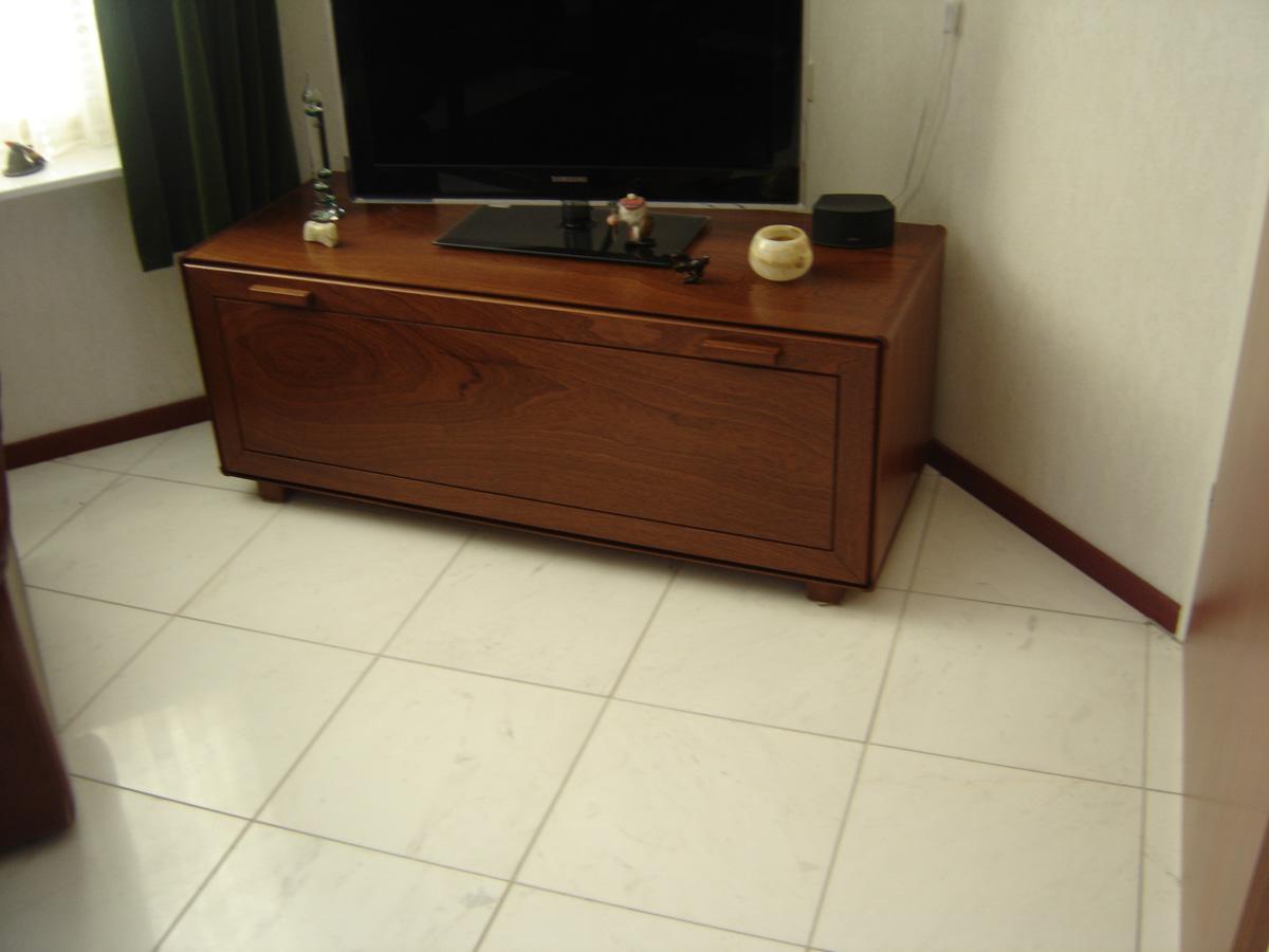 Mahonie Tv Meubel : Tv kast mahonie blank gelakt meubelmakerij aad