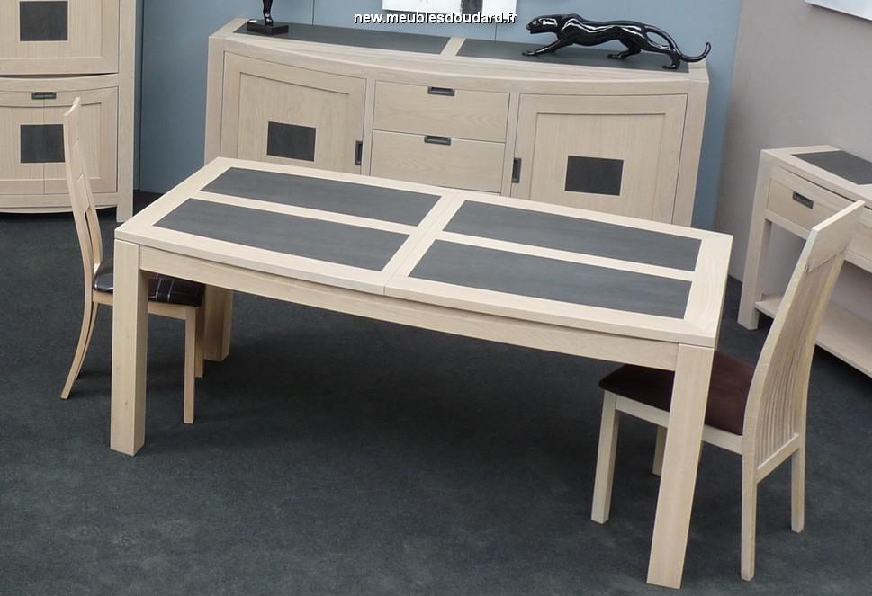 table contemporaine en chene blanchi dessus ceramique
