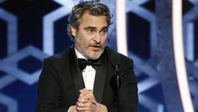 Joaquin Phoenix ganha o Globo de Ouro por 'Coringa'