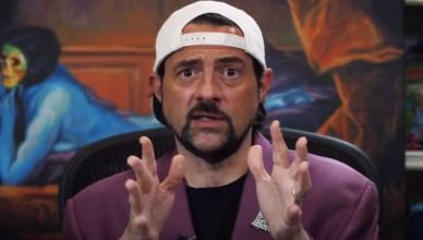 Kevin Smith surpreende e aparece em evento digital de games