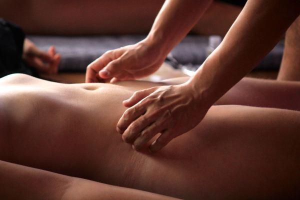 Fazendo Massagem Sensual