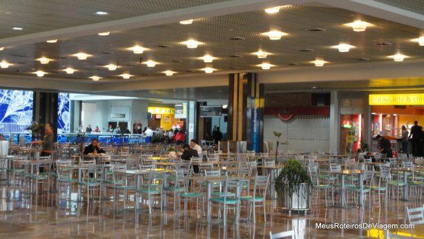 Praça de alimentação do Aeroporto de Porto Alegre
