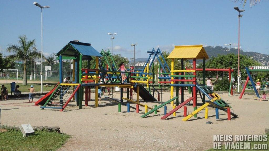 Parque Infantil no Parque de Coqueiros