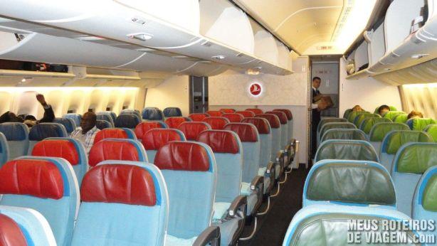 Inteiror do Boeing 777-300 ER da Turkish Airlines