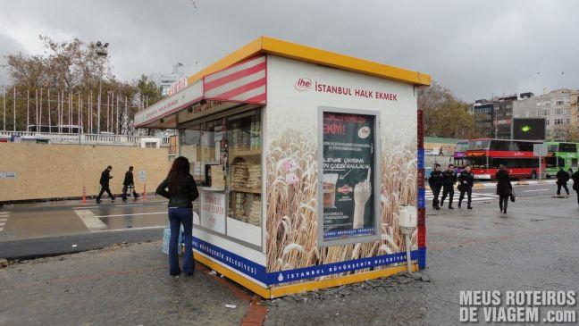 Quiosque para comprar o cartão Istanbulkart - Istambul, Turquia