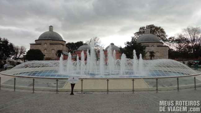 Fonte na Praça Sultanahmet - Istambul, Turquia