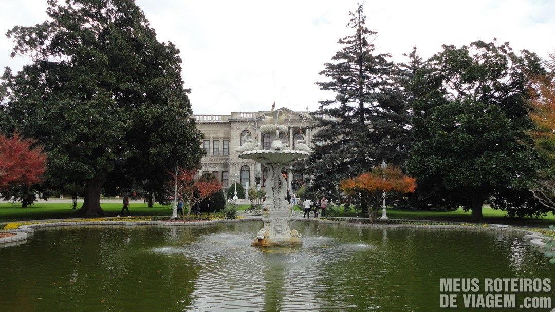 Jardins do Palácio Dolmabahce - Istambul, Turquia