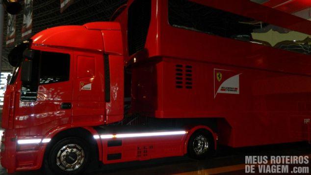 Caminhão da Fórmula-1 no Ferrari World - Abu Dhabi, Emirados Árabes
