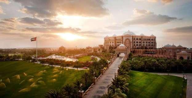 Emirates Palace (fonte: kempinski.com)