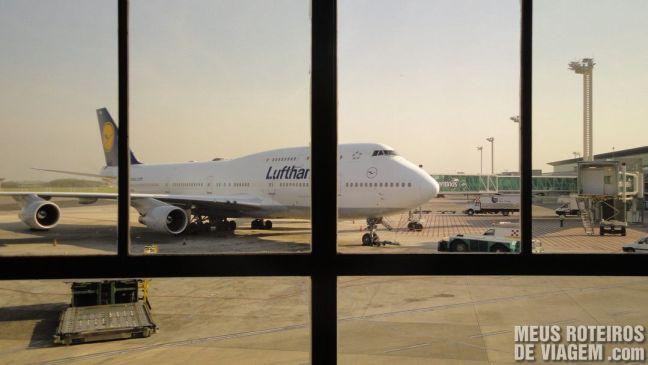 Boeing 747 da Lufthansa no Aeroporto de Ezeiza