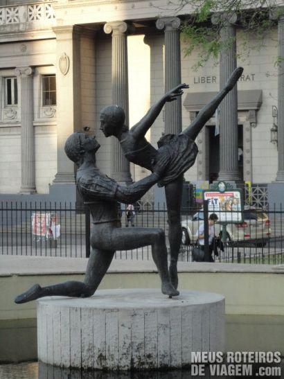 Escultura próxima ao Teatro Colón - Buenos Aires, Argentina