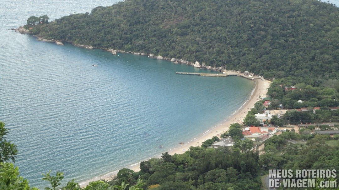 Praia de Laranjeiras - vista do mirante do Parque Unipraias