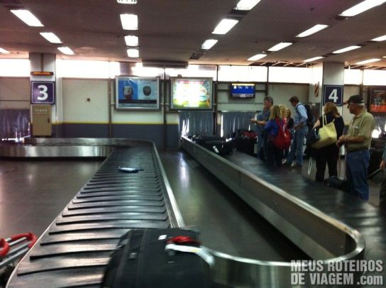 Esteira para retirada de bagagem no Aeroparque - Buenos Aires