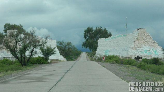 Ruínas do Monumento de Catona - Mendoza, Argentina