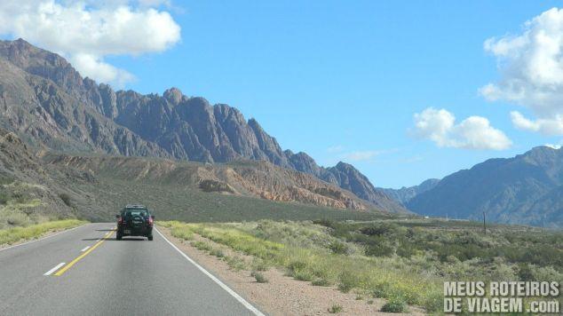 Estrada na Cordilheira dos Andes - Mendoza, Argentina