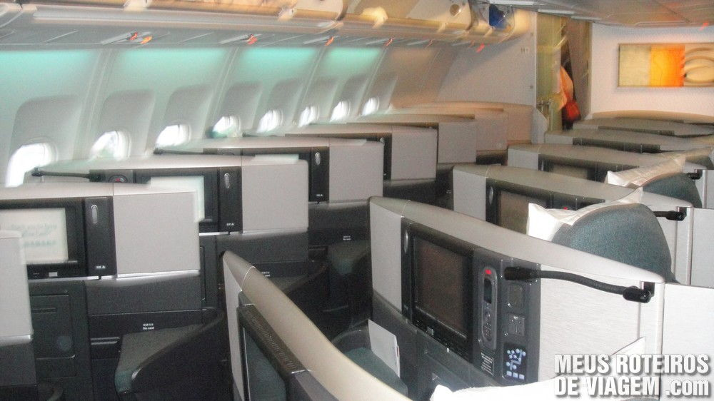 Classe executiva no A340-300 da Cathay Pacific