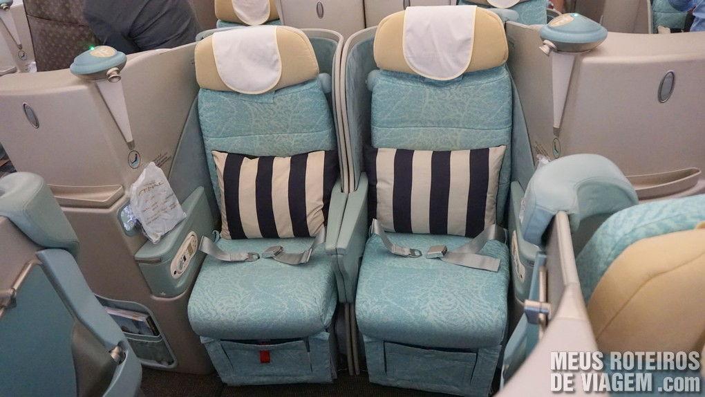 Classe executiva no voo para o Brasil no A340-600 da Etihad Airways