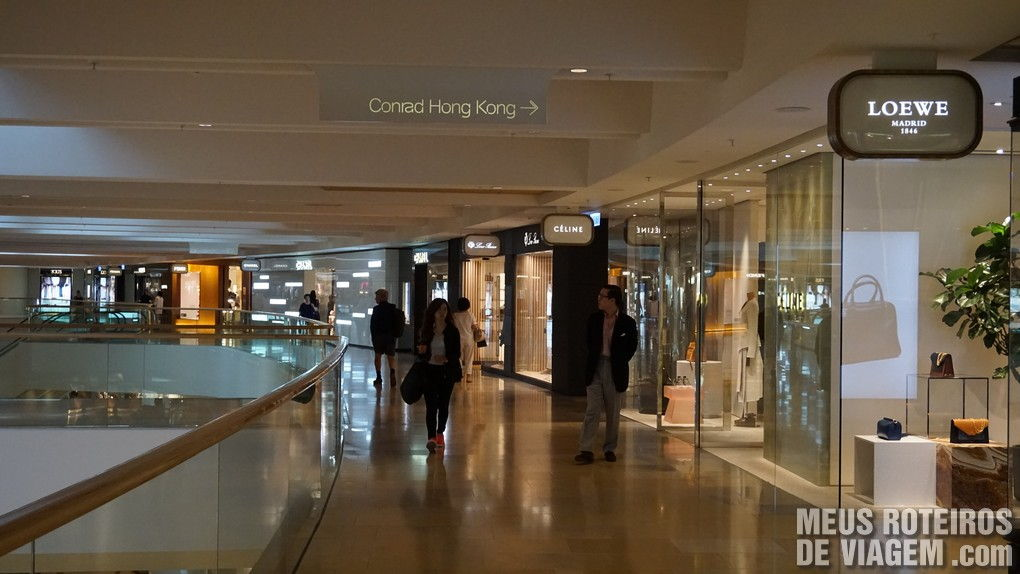 Entrada do hotel Conrad Hong Kong pelo shopping Pacific Place